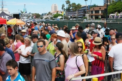 2015 crowd-HarborDr-lookingN